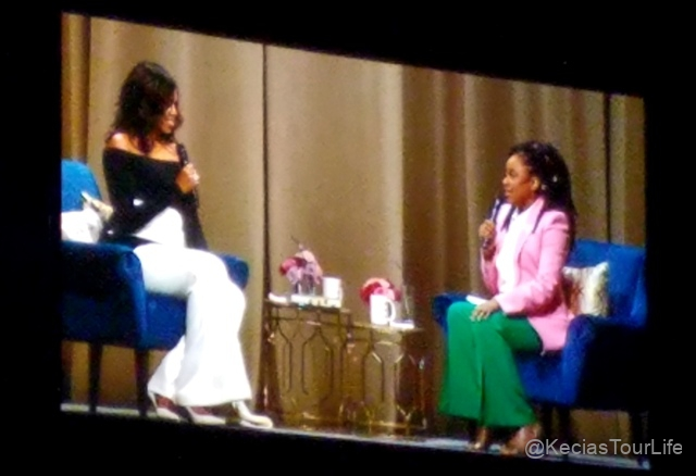 Dec-11-2018-Michelle-Obama-Book-Tour-4