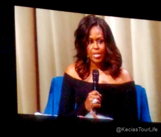 Dec-11-2018-Michelle-Obama-Book-Tour-10