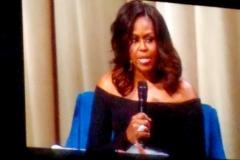Dec-11-2018-Michelle-Obama-Book-Tour-10