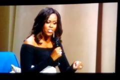 Dec-11-2018-Michelle-Obama-Book-Tour-12